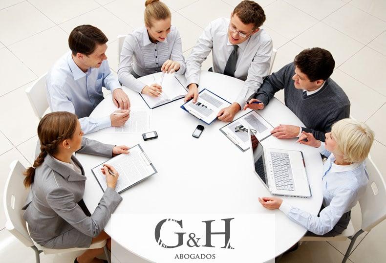 Bufetes de abogados penalistas: Su defensa está garantizada con GyH